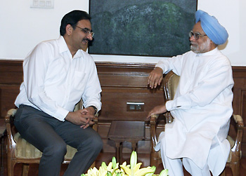 Nirupam Bajpai and the Honorable Prime Minister of India     Dr. Manmohan Singh