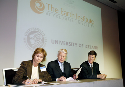 Signing the Memorandum of Understanding